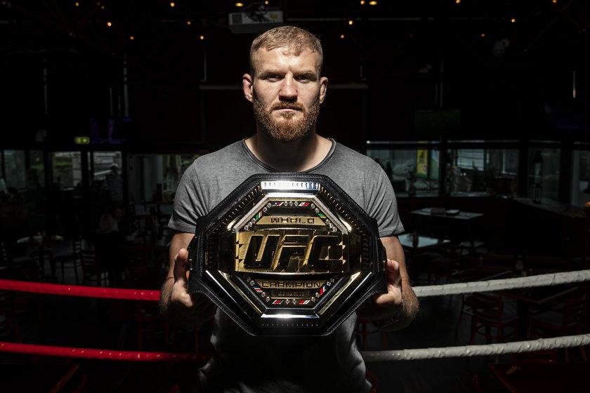 Jan Błachowicz (37 l.) od 27 września ma pas mistrza UFC wagi półciężkiej