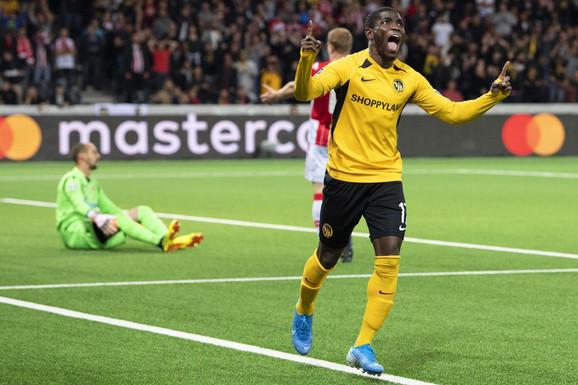 Radost Asalea posle prvog gola na meču FK Jang Bojs - FK Crvena zvezda