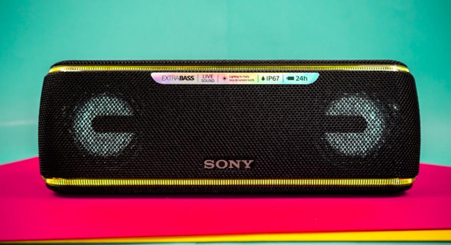 Sony SRS-XB41 im Test: Outdoor-Lautsprecher mit Licht-Effekten