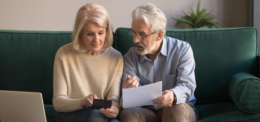 Uwaga seniorzy! Ważne oświadczenie ZUS-u w sprawie czternastych emerytur