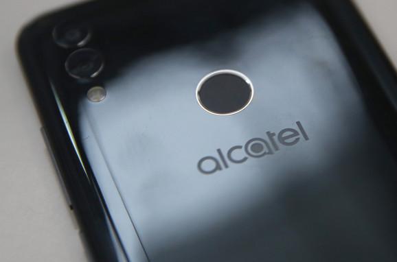 Alcatel 5V: Novo-stari igrač u srednjoj klasi