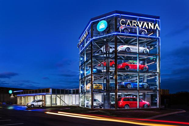 Salon Carvana w Nashville w USA