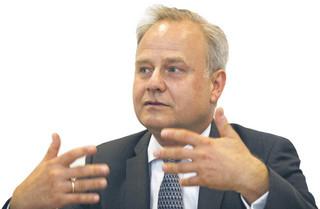 prof. dr hab. Artur Nowak-Far