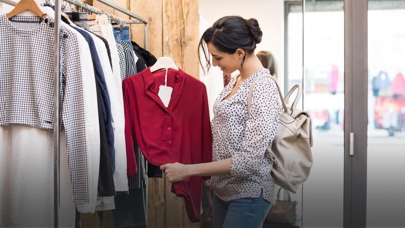 0b25abff65 Moda dla niskich kobiet - czego unikać
