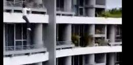 Wypadła z balkonu robiąc selfie. Tragiczna śmierć