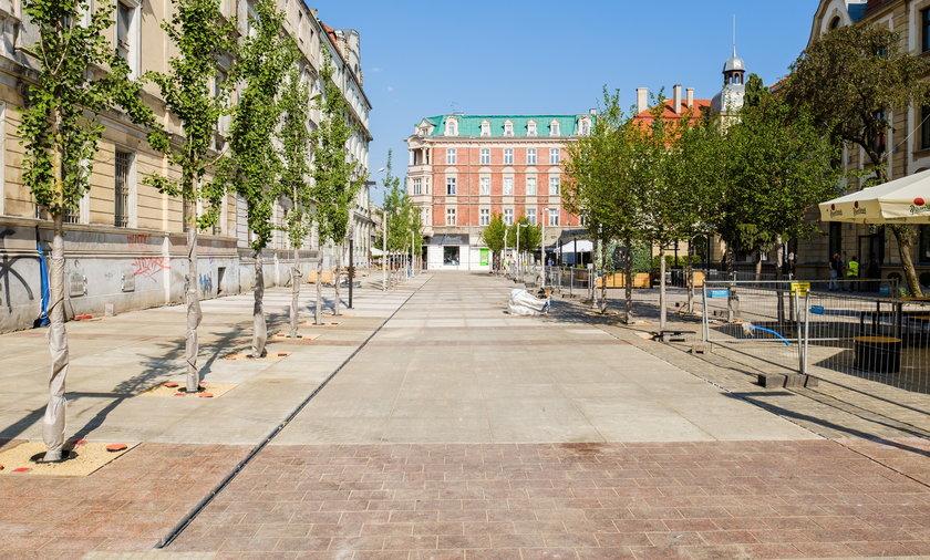 Ulica Dworcowa w Katowicach po przebudowie.