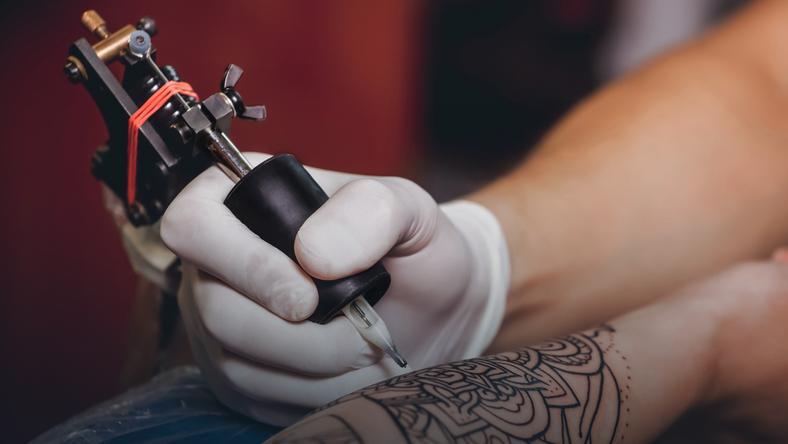 Zamiast Brzydkich Blizn Piękne Tatuaże Artysta Za Darmo