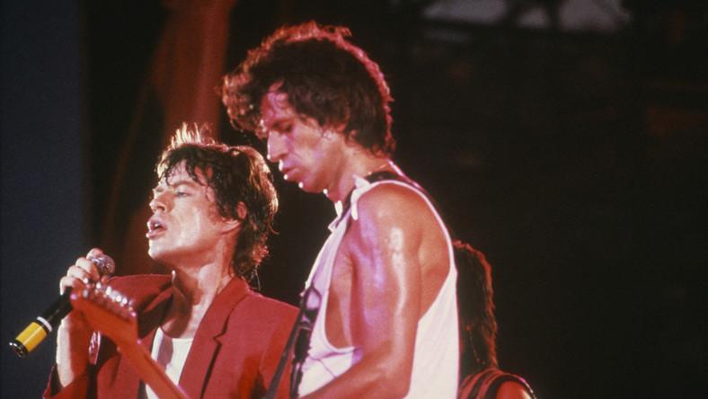 """""""Błyszczące Bliźniaki"""": Mick Jagger i Keith Richards w 1982 roku"""