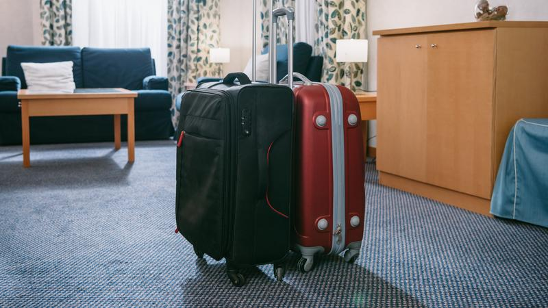 Co goście zostawiają w hotelach?