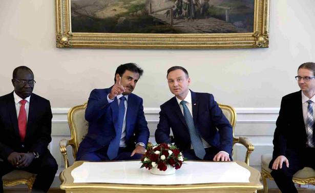 Prezydent Andrzej Duda i emir Kataru Tamim ibn Hamad Al Sani przed rozpoczęciem rozmów w cztery oczy w Pałacu Prezydenckim w Warszawie