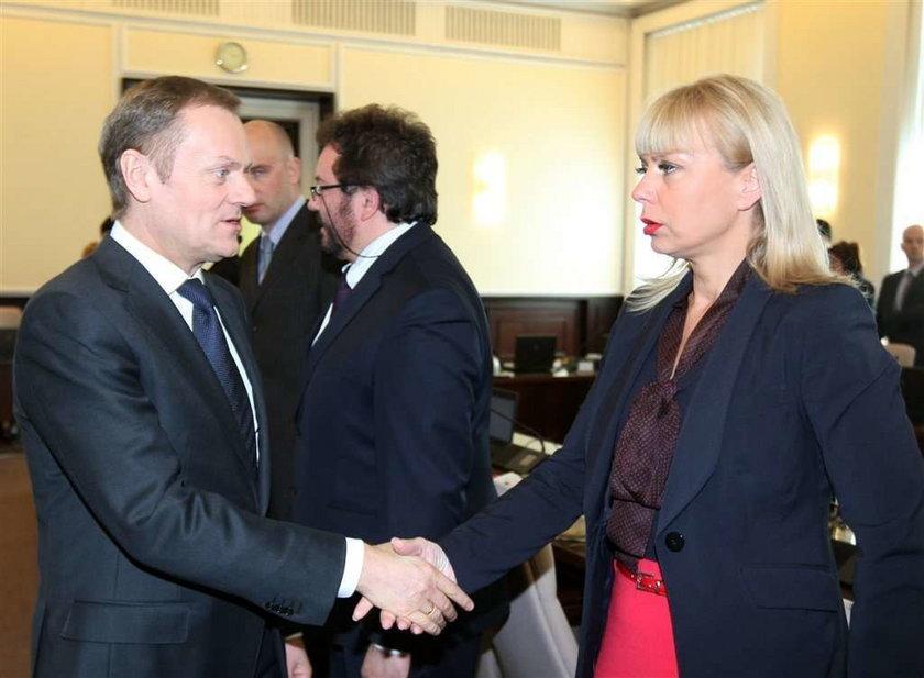 Polska minister jak lalka. Ale wymalowana!