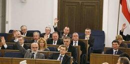 Senat wprowadza cięcia w finansowaniu partii