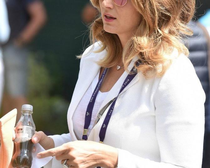 Mirka Federer nosi MEGAPOPULARNE NAOČARE koje ovog leta nosi svaka druga Beograđanka