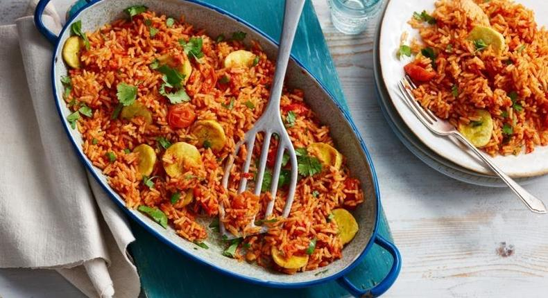 Here is how to make the famous Nigerian Jollof rice