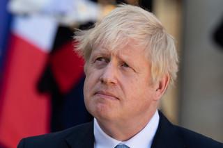 Johnson: Tabletki przeciwko koronawirusowi dostępne do jesieni
