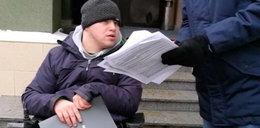 W urzędzie w Rzeszowie niepełnosprawnych obsługuje się na dworze