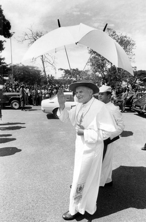 Watykan, 16.10.1978 Nowo wybrany papież Jan Paweł II. fot. zuma/Newspix.pl