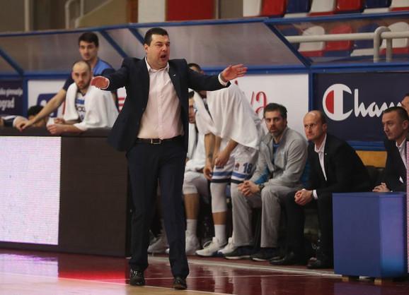 Dragan Nikolić trener KK Igokee