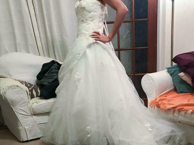 Lindzi želi da se što pre reši venčanice