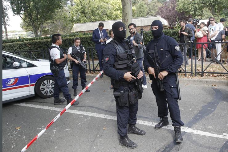 Pariz, napad nožem, policija, Francuska