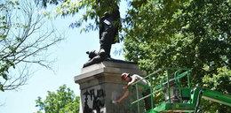 Usunięto napisy z pomnika Tadeusza Kościuszki