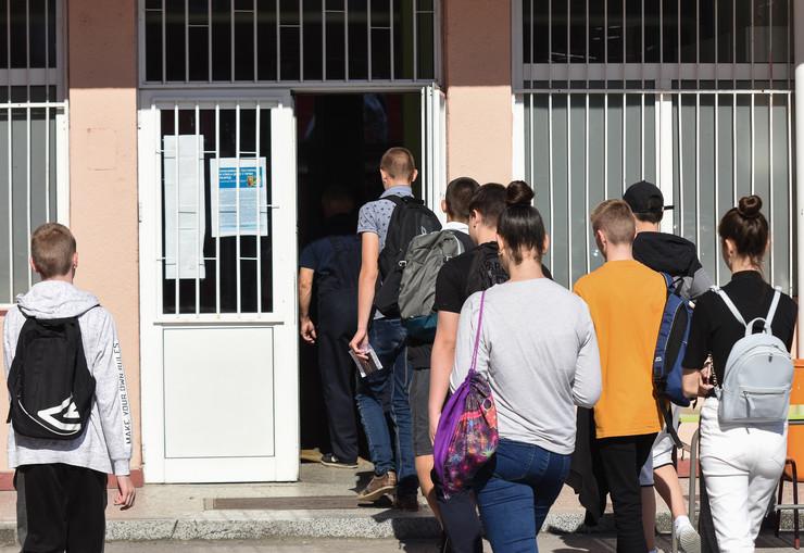 Novi Sad mala matura polaganje djaci ucenici osnovna skola Ivan Gundulic foto Nenad Mihajlovic 5