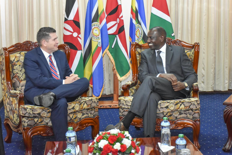 DP Ruto during talks with US Ambassador Kyle McCarter (Twitter)