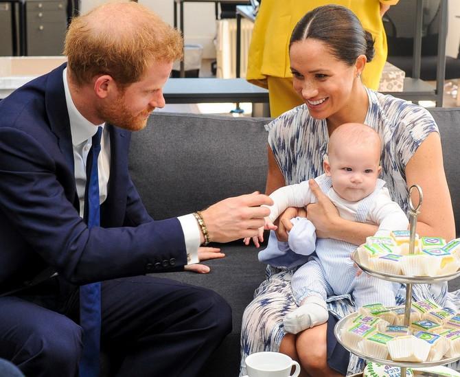 Megan Markl sa sinom Arčijem Harisonom i suprugom princom Harijem   u Kejptaunu u Južnoj Africi
