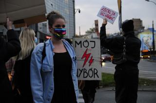 Strajk Kobiet w Warszawie: Blokada Ronda Wiatraczna [ZDJĘCIA]