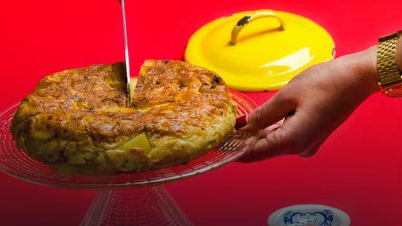 Tortilla Z Jajek Ziemniakow I Cebuli Onet Gotowanie