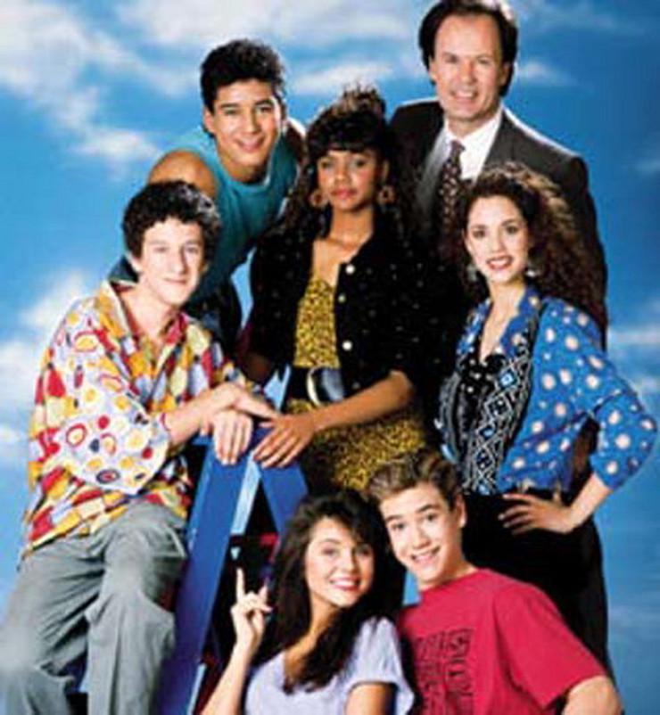 """Elizabet Berkli u seriji """"Zvono kao spas"""" (prva sa desne strane)"""
