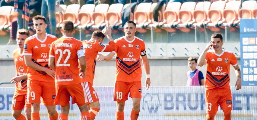 Pierwsza w sezonie wygrana Termaliki. Lukas Podolski sprokurował karnego!
