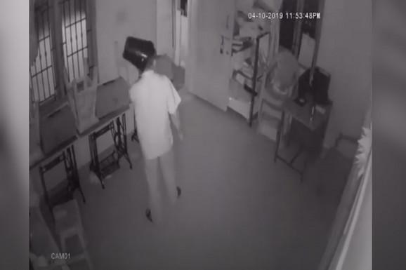Krenuli su u pljačku, a onda je sigurnosna kamera zabeležila ovu URNEBESNU SCENU (VIDEO)