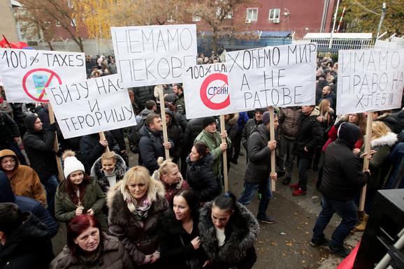 Protest protiv povećanja poreza u Kosovskoj Mitrovici