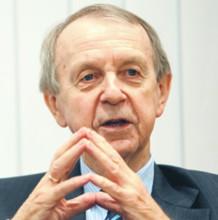 Prof. Stanisław Sołtysiński, z Uniwersytetu Adama Mickiewicza w Poznaniu, radca prawny