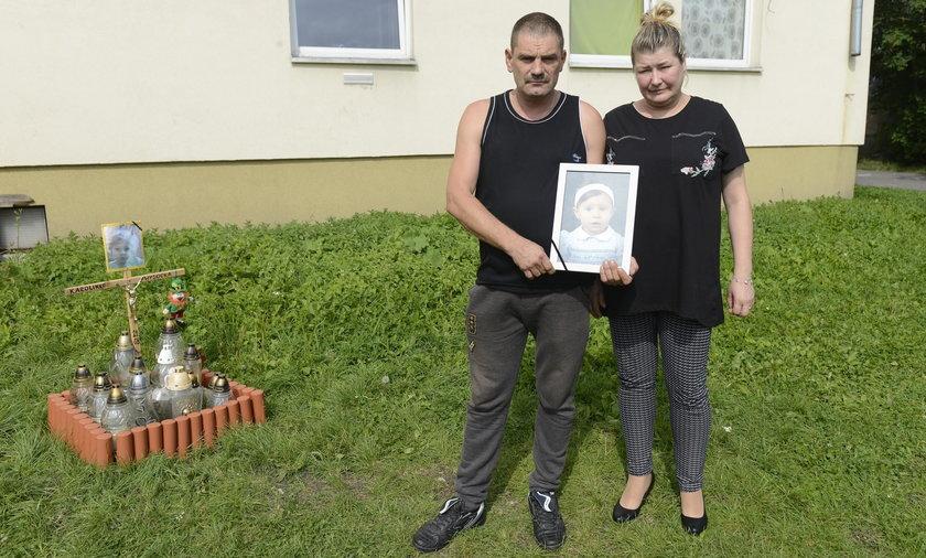 Trzepak zabił 3,5-letnią Karolinkę z Jeleniej Góry. Jest decyzja prokuratury