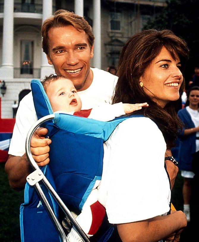 Marija Šrajver i Arnold Švarceneger sa ćerkom Ketrin Švarceneger koja je sada postala mama