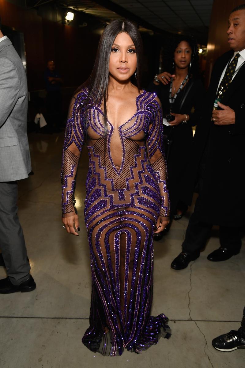 7ec78ab378 Az 51 éves Toni Braxton alakjára valóban nem lehet panasz, a  ruhaválasztásra már annál inkább / Foto: Gettyimages