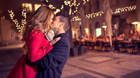 8 romantycznych świątecznych zwyczajów z całego świata