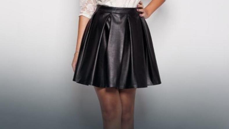 8908cbdf Skórzana spódnica - jak ją nosić? Skórzana spódnica stylizacje - Moda