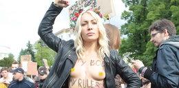 Nagie kobiety w centrum Warszawy!
