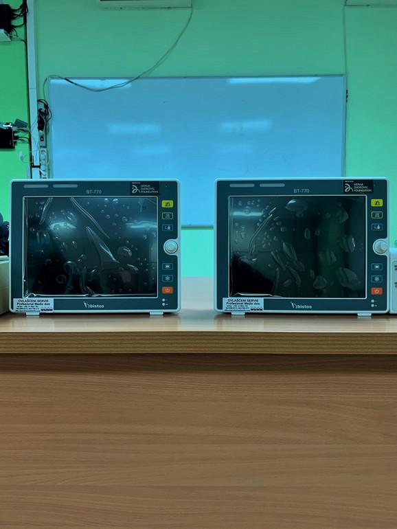 Četiri respiratora i 20 monitora od Fondacije Novak Đoković