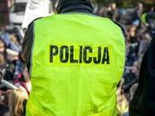 Rząd daje podwyżki mundurowym: 200 zł dla policjanta