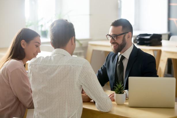 Od 1 lipca 2021 r. za pomocą kas online trzeba będzie rejestrować przychód ze świadczenia m.in. usług prawniczych