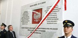 Kaczyński dotknięty. Odsłonili dwie tablice w Sejmie, ale...