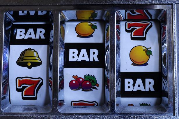 Fiskus nie przyłożył się do swojej pracy, podobnie jak ustawodawca. Dzięki temu przedsiębiorcy liczą, że unikną kar za urządzanie gier hazardowych bez zezwolenia.