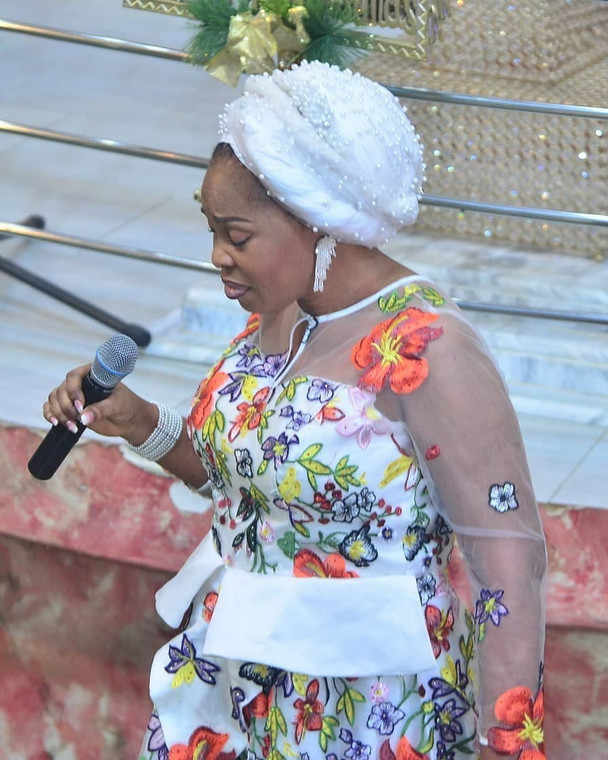 Nigerian gospel singer, Tope Alabi has reacted after getting dragged on social media for a dance video perceived as 'worldly.' [Instagram/TopeAlabi]