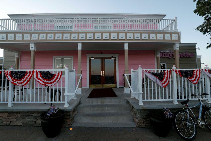 USA: Nie żyje Dennis Hof. Właściciel domów publicznych leżał nagi w łóżku