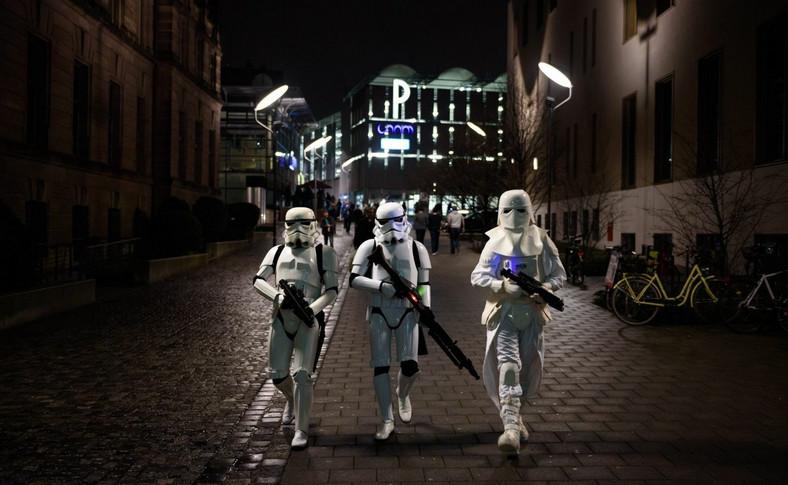"""Fani """"Gwiezdnych Wojen"""" patrolują ulice Norymbergi"""