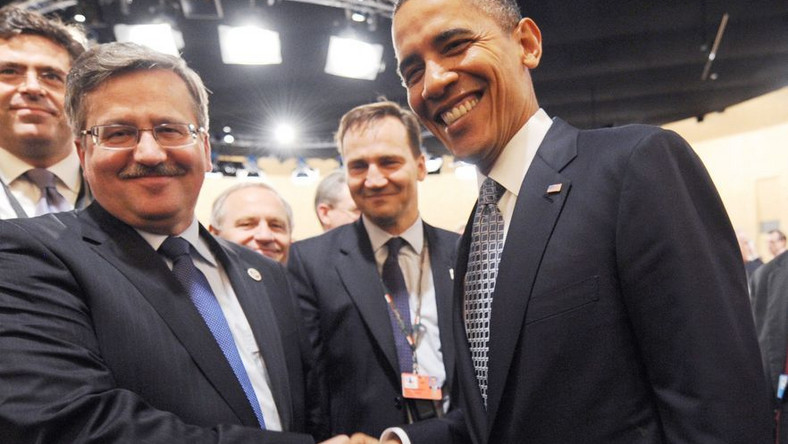 Prezydent leci rejsowym samolotem do USA. Ile zaoszczędzi?